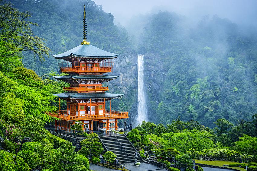 ついた!世界遺産の青岸渡寺。参道を登りきったところにある。