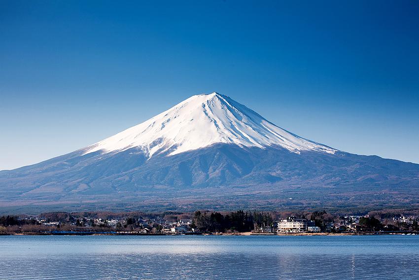 日本人なら誰でも懐かしさを感じる富士山