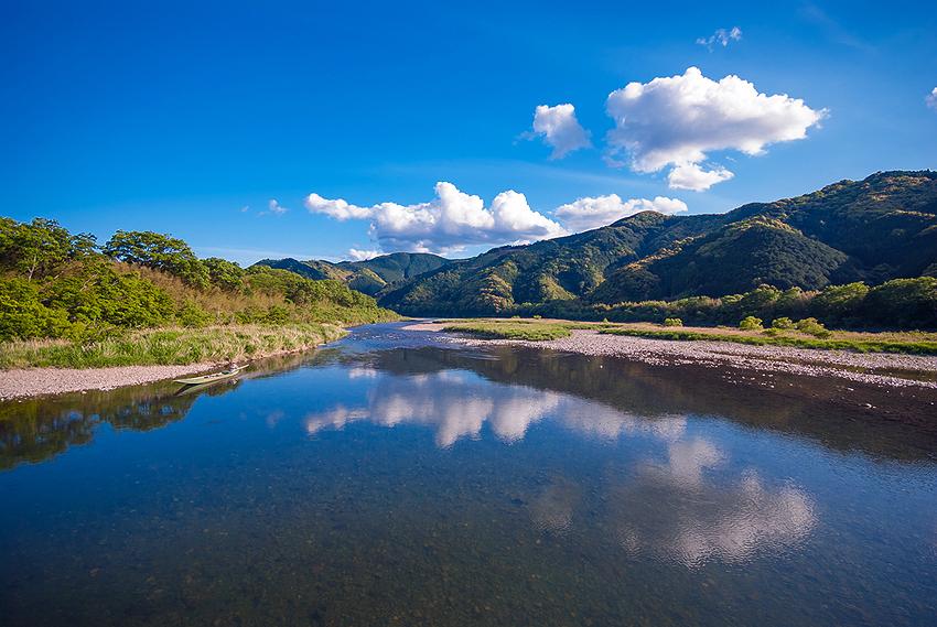 青々とした四万十川の大自然