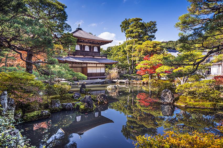 金閣寺とは雰囲気が打って変わって、とても落ち着きます。