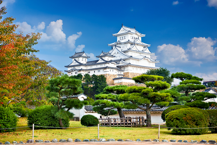 白塗されたばかりの姫路城