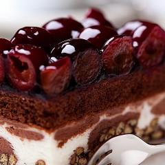カシスのショートケーキ