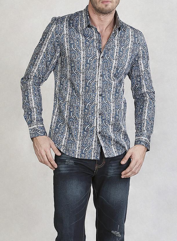 ストライプパターンシャツ
